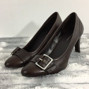 NWT Banana Republic Hardware Pumps - Brown